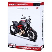 Model motocyklu Maisto Ducati Diavel Carbon Kit